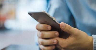 texting phone photo